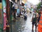 lokasi-arfiko-tewas-tersetrum-aliran-listrik-dari-tiang-listrik-pln-akibat-banjir.jpg