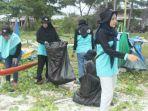 mahasiswa-kkn-ubb-mengumpulkan-sampah-di-pantai-serdang_20180715_212802.jpg