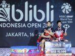 marcus-fernaldi-gideonkevin-sanjaya-sukamuljo-berpose-di-podium-juara-indonesia-open-2019.jpg
