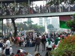 massa-aksi-mujahid-212-yang-melakukan-long-march-dari-bundaran-hotel-indonesia.jpg