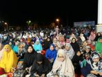 masyarakat-yang-mengikuti-tausiyah-tabligh-akbar_20171120_214819.jpg