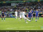 megabintang-argentina-lionel-messi-saat-mencetak-gol-ke-gawang-paraguay.jpg