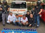 mobil-ambulans-partai-gerindra-yang-diamankan-saat-rusuh-aksi-22-mei-di-jakarta.jpg