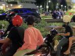 mobil-dipepet-pemuda-mabuk-gubernur-turun-beri-nasehat-video-pengawal-memukul-dan-menendang-viral.jpg