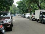 mobil-parkir-di-pinggir-jalan_20180821_130949.jpg