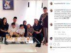 muzdalifah-foto-bersama-keluarga-dan-kedua-mertuanya.jpg