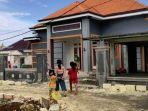 orang-kaya-baru-desa-sumurgeneng-kini-ramai-ramai-bangun-rumah-mewah-di-kawasan-relokasi.jpg