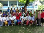 para-guru-dan-karyawan-sd-theresia-i-pangkalpinang-fasdfasdfsf.jpg