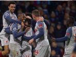 para-pemain-liverpool-merayakan-gol-saat-melawan-burnley-di-pekan-ke-15-liga-inggris.jpg