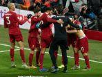 para-pemain-liverpool-merayakan-gol-yang-dicetak-oleh-mohamed-salah-ke.jpg
