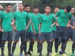 para-pemain-seleksi-tahap-pertama-timnas-indonesia-u-22_20170225_160929.jpg