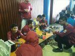 para-siswa-saat-mempersiapkan-untuk-mengikuti-lomba-robotika_20180221_165258.jpg