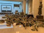 para-tentara-bersiaga-untuk-mengamankan-kerusuhan-dengan-jaga-24-jam1.jpg