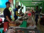 pedagang-ayam-di-pasar-pagi-kota-pangkalpinang.jpg