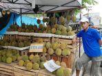 pedagang-durian-di-pangkalpinang.jpg