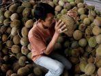 pedagang-durian_20180102_061036.jpg
