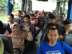 pelatihan-guiding-on-the-bus_20170201_203909.jpg