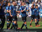 pemain-atalanta-merayakan-kemenangan.jpg