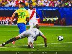 pemain-brasil-roberto-firmino-saat-mencetak-satu-gol-dalam-kemenangan-5-0-brasil-atas-peru.jpg