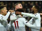 pemain-liverpool-merayakan-gol-mohamed-salah-ke-gawang-west-ham-united.jpg