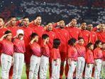 pemain-timnas-indonesia-menyanyikan-lagu-kebangsaan-indonesia-raya.jpg