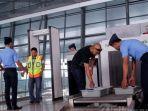 pemeriksaan-di-bandara141411212.jpg