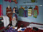 pemilik-batik-tulis-pakkis-simpang-katis-siti-dawiyah_20170710_195633.jpg