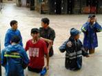pemuda-muhammadiyah-dirikan-posko-bantuan-banjir_20160208_194442.jpg