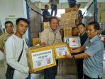 penyerahan-bantuan-untuk-korban-gempa-pidie-jaya_20161219_115016.jpg