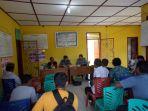 pertemuan-dan-rapat-dengan-nelayan-di-kantor-desa-sadai_20180426_184528.jpg