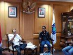 pertemuan-manajemen-babel-united-bersama-gubernur-babel-erzaldi-rosman.jpg
