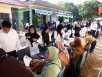 peserta-seleksi-cpns-kabupaten-bangka-selatan-saat-melakukan-registrasi-ulang.jpg