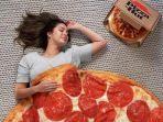 pizza-hut-rilis-selimut-edisi-terbatas-dengan-bentuk-mirip-original-pan.jpg