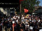 pns-di-myanmar-dan-puluhan-ribu-orang-turun-memprotes-kudeta-militer-satu-satu-tertembak-di-kepala.jpg