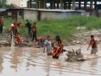 pp-dan-ppm-bersih-sungai-rangkui_20160331_223933.jpg