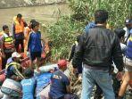 proses-pencarian-jenazah-korban-di-sungai-kedung-guling-candi-kabupaten-sidoarjo_20171206_064735.jpg