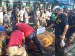 proses-penyembelihan-hewan-kurban-di-masji-al-huda-sungailiat.jpg