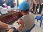 proses-vaksinasi-yang-digelar-di-kabupaten-bangka-selatan.jpg