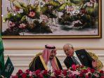 raja-arab-saudi-salman-bin-abdul-aziz-berbincang-dengan-pm-malaysia-najib-razak_20170228_091142.jpg