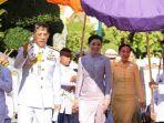 raja-thailand-vajiralongkorn-bersama-permaisurinya.jpg