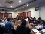rapat-antara-asoiasi-petani-sawit-indonesia-apkasindo-babel_20180928_153126.jpg