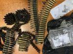 ratusan-amunisi-peluru-tanpa-mesiu-yang-diamankan-dari-sepasang-anak-punk.jpg