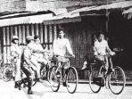 razia-pajak-sepeda-di-yogyakarta-tahun-1983.jpg