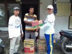 relawan-bantu-korban-banjir-di-silok_20160210_142020.jpg