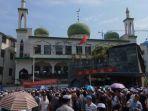 ribuan-muslim-dari-berbagai-lokasi-di-china_20180616_134121.jpg
