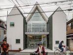rumah-yang-terdiri-atas-dua-lantai-dengan-fungsi-berbeda-dan-dapat-dipindahkan-sesuai-kebutuhan.jpg