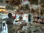sebuah-toko-snack-di-pangkalpinang-0502.jpg