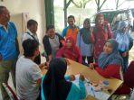 sejumlah-pendaftar-jalan-sehat-di-kantor-kpu-kabupaten-belitung_20180511_125414.jpg