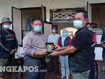 sekda-babar-muhammad-soleh-saat-menerima-kunjungan-pajero-club-sport-indonesia-one.jpg