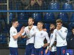 skuad-timnas-inggris-ketika-merayakan-gol-pada-pertandingan-montenegro-vs-inggris.jpg